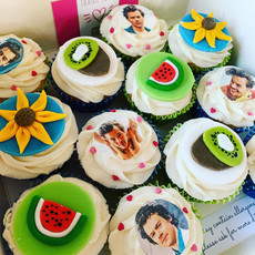 Harry Styles birthday cupcakes