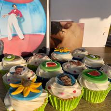 Harry Styles cupcakes