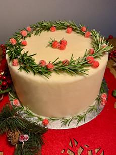 Holly wreath festive cake