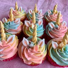 Unicorn vanilla cupcakes