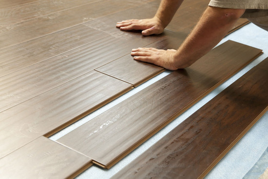 HIGH QUALITY LAMINATE & LUXURY VINYL