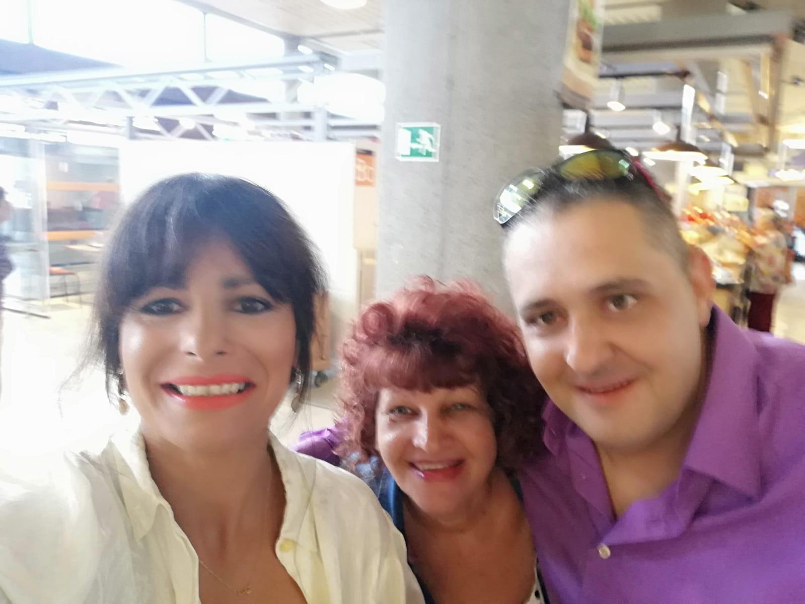María, Mercedes y Agustín