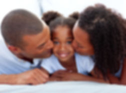 photodune-8202478-loving-parents-kissing