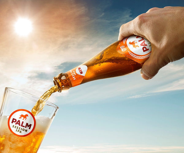 Palm sfeer IPA hand & fles cropping_prev