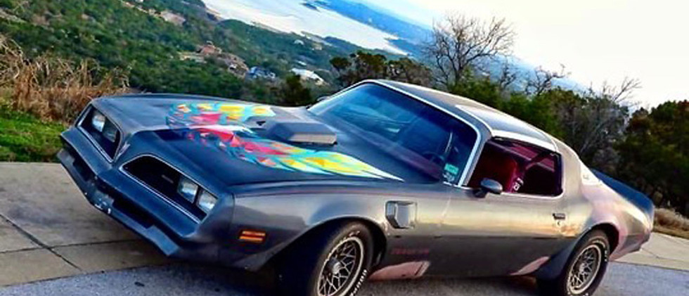 Hood vinyl paintwork on classic car-.jpg