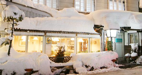 外観冬 夜2.JPG