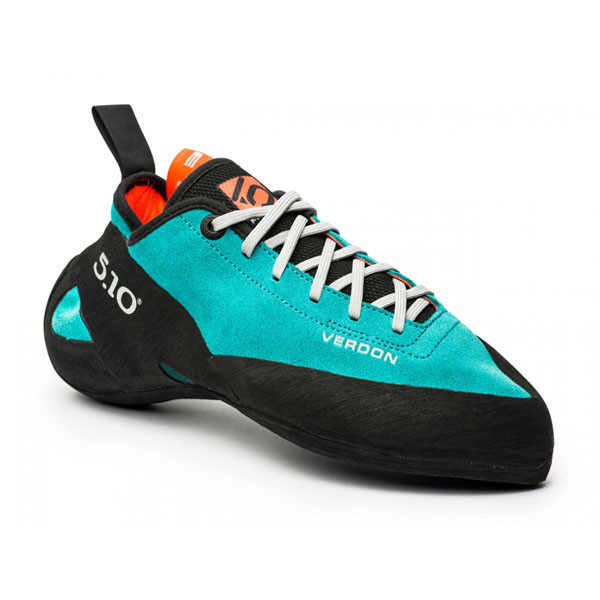 a climbing shoe with laces