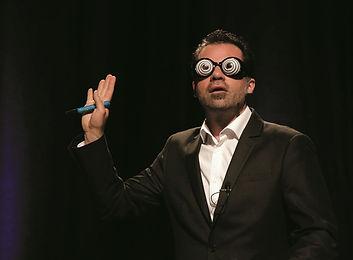 Jarod McMurran. Entertainer. Mentalist. Komiker.