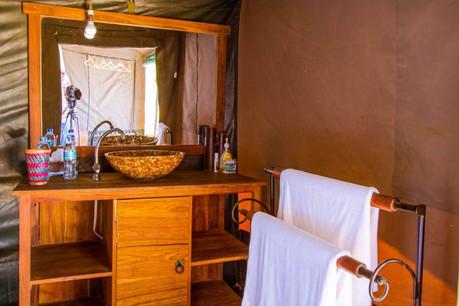 Heritage Mara Camp Bathroom