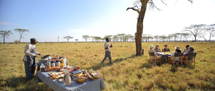 Namiri Plains Camp Bush Dining