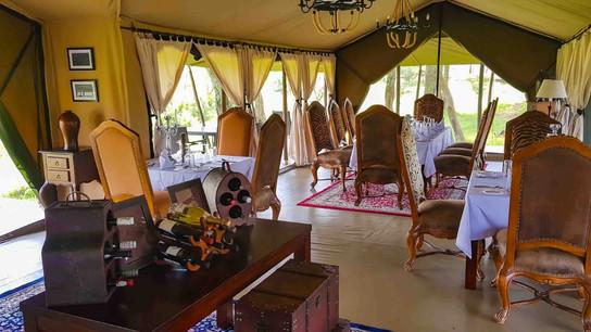 Ole Serai Luxury Camp - Turner Springs - Dining Area