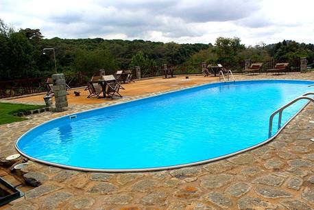 Endoro Lodge Swimming Pool