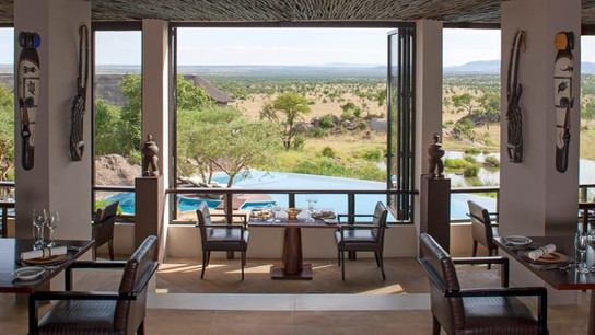 Four Season Serengeti Dining with View