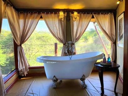 Tarangire Kuro Treetops Lodge Bathtub