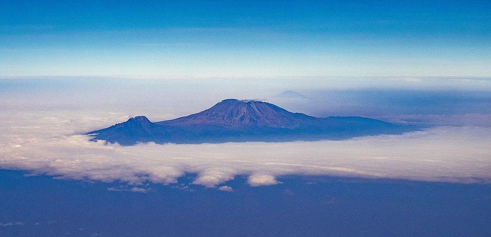 kilimanjaro-5511090_1920.jpg