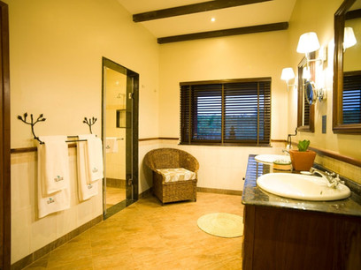 The Rretreat at Ngorongoro Bathroom