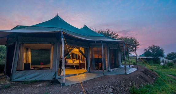 Acacia Tarangire Luxury Camp - Tent Outside