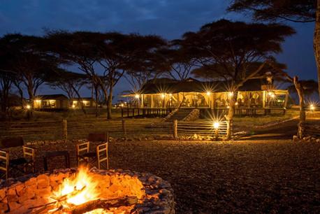 Ole Serai Luxury Camp - Turner Springs - Night View