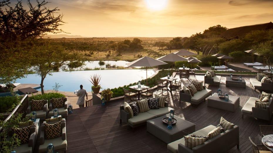 Four Season Serengeti Lounge and Bar