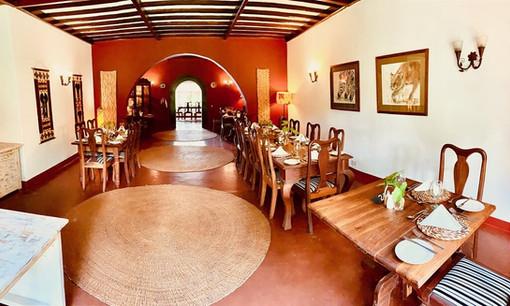 Mount Meru Game Lodge Dining