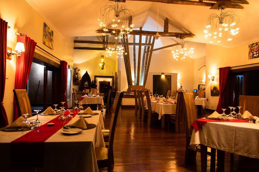 Escarpment Luxury Lodge Dining