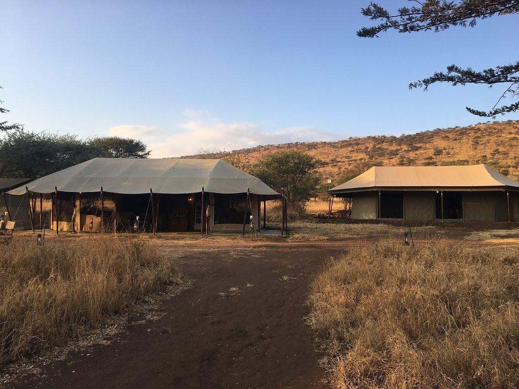 Serengeti Osupuko Camp Facade