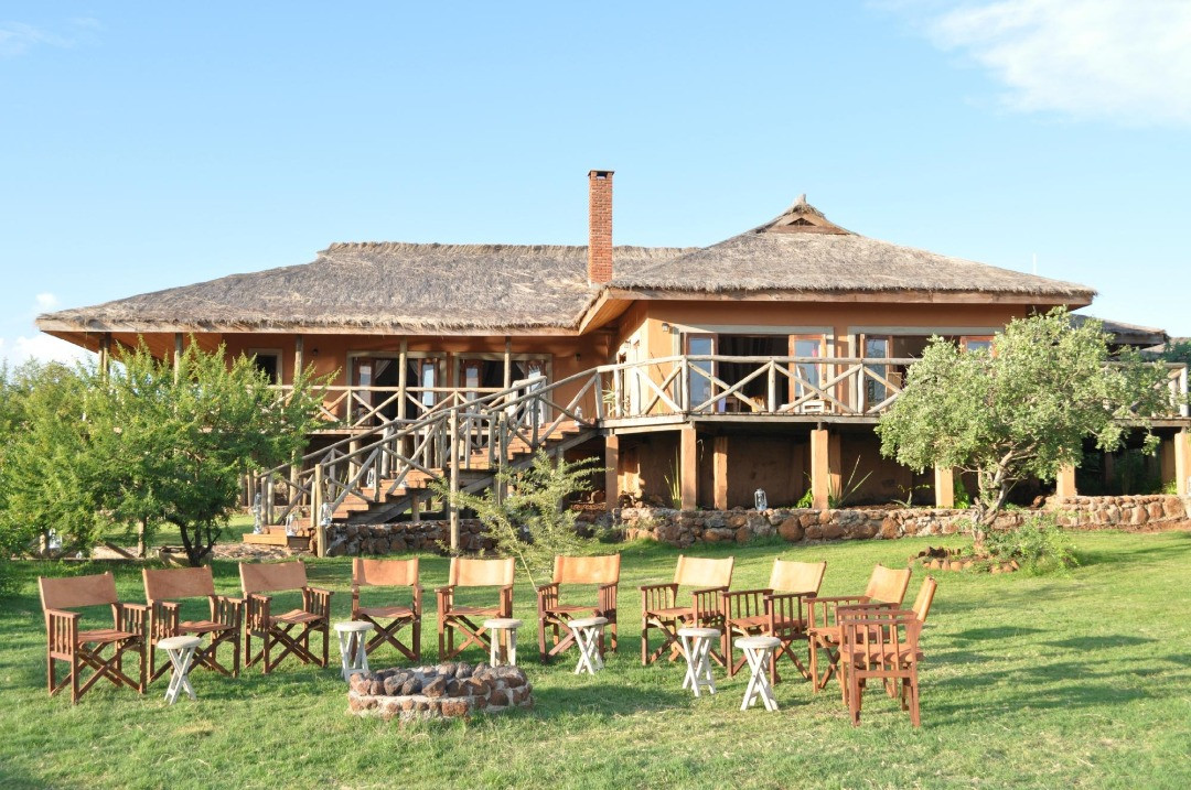 Escarpment Luxury Lodge Fireplace