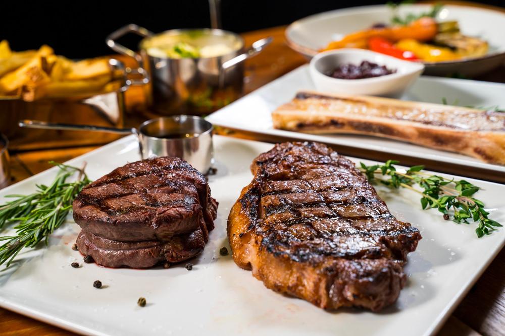 Perfektní americké steaky. Chcete ochutnat?
