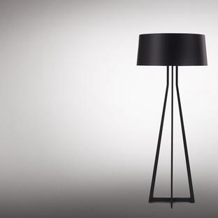 Lampe mit Fußgestell / modern / Stoff / innen
