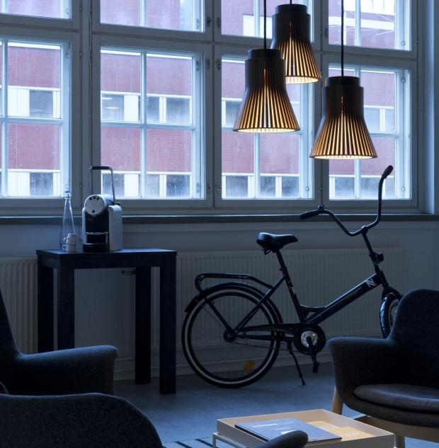 Secto_Design_Petite_4600_lobby_web.jpg