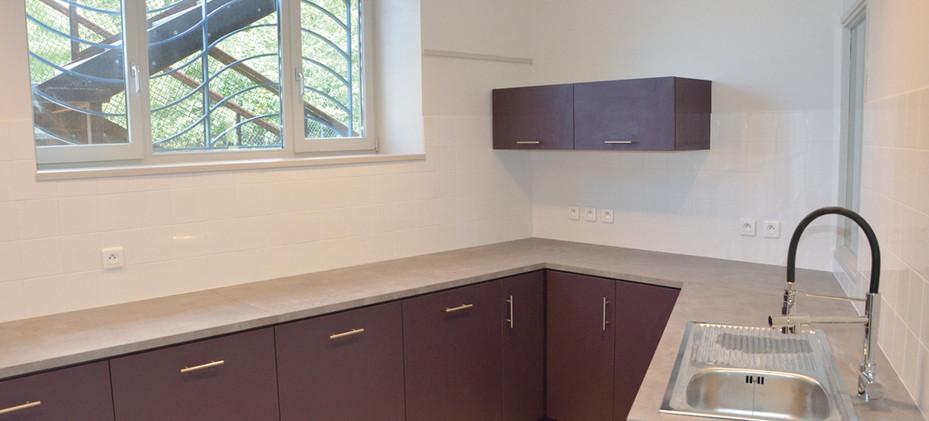 Crèche : rénovation de la cuisine et création de mobilier