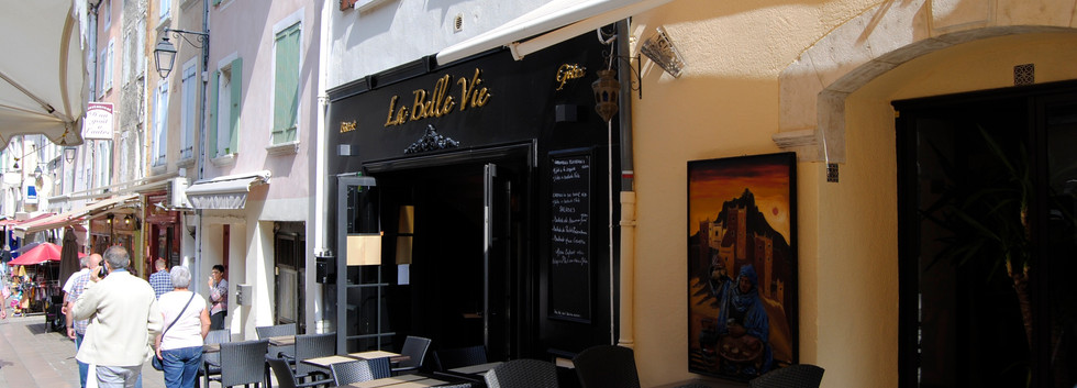 "Bistrot  ""La Belle Vie"""