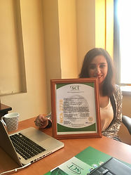 Directora IRV Con Diploma de Certificación
