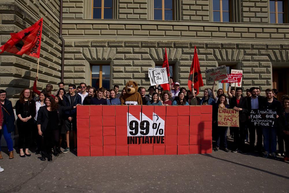 Dépôt de l'initiative à la Chancellerie fédérale à Berne
