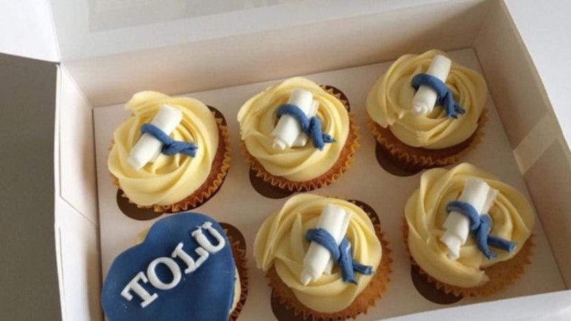 Personalised Graduation Cupcakes (Box of 6)