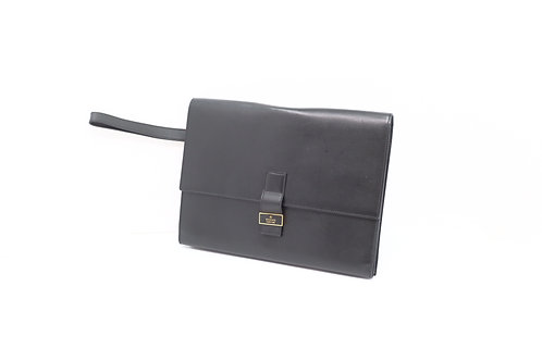 Buy beautiful pre owned Gucci Travel wristlet