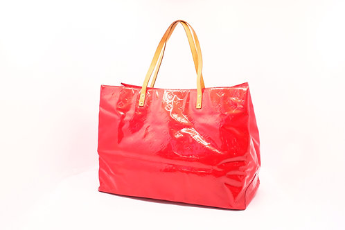 Buy pre owned Louis Vuitton Vernis red Reade