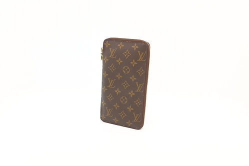 Louis Vuitton Passport Zipped Organizer