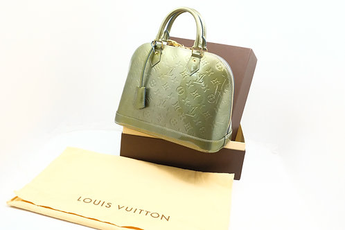 Louis Vuitton Alma PM in Givre Vernis Leather