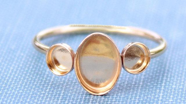 Minimalist Oval Ring