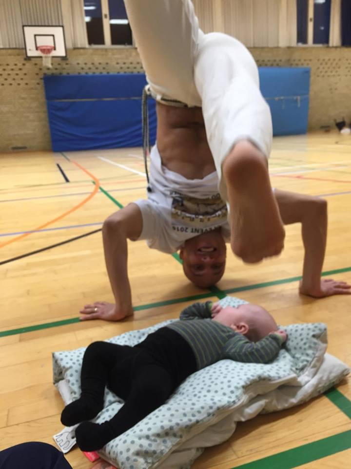 To generationer Grupo de Capoeira Ginga