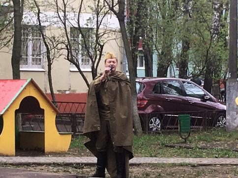 артист Алексей Громов поет на Дне Победы в г. Реутов