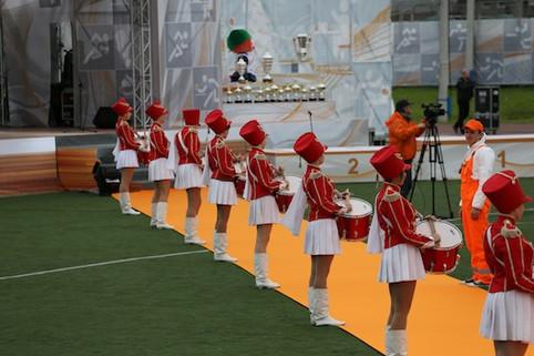 барабанщицы на церемонии награждения