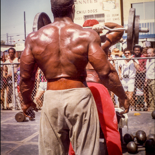 Workout in Pit at Muscle Beach