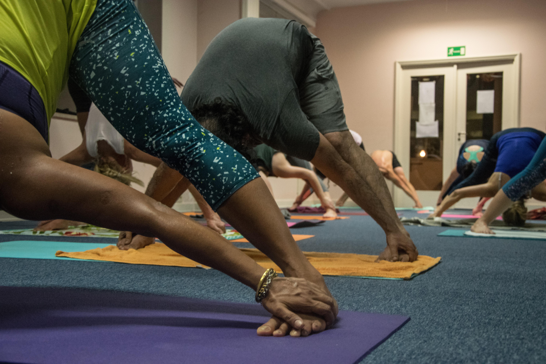 60' Express Hot Bikram Yoga 26+2
