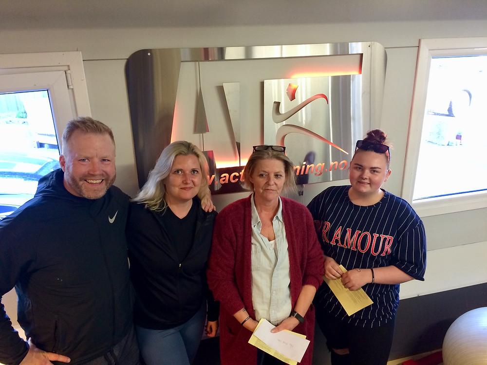 F.v Jørgen, Mari, May-Britt og Lena