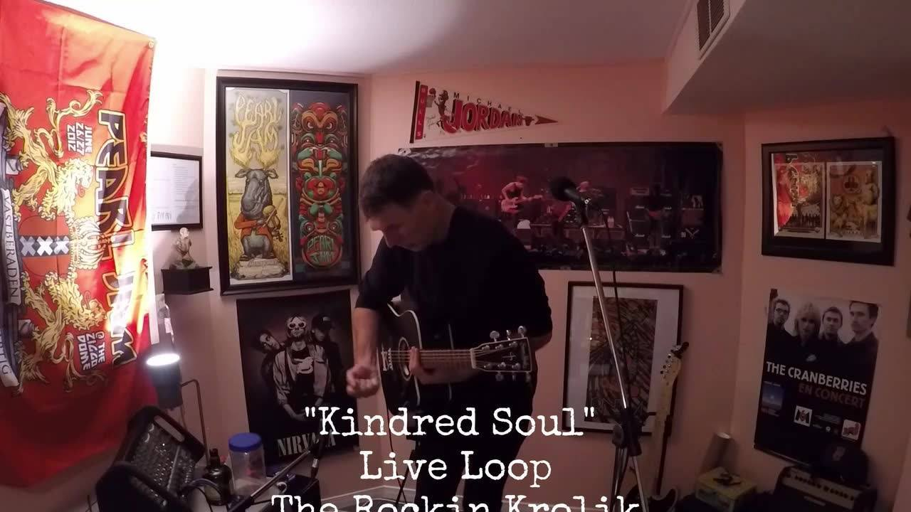 "✨Live Loop✨ No drums? No Problem! Kick drum= Guitar🎸 Snare= Empty box of Xmas candy🍬 Cymbal= Bottle of 12 years old rum, yumyum🤪 Shaker= Shaker Song ""Kindred Soul"""
