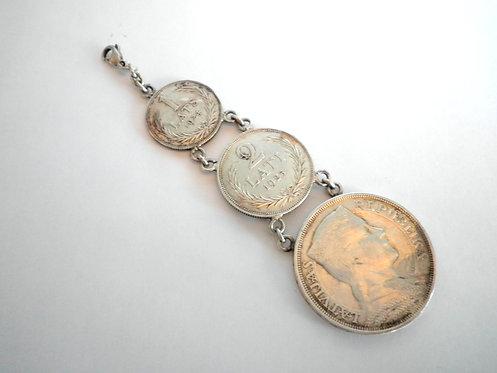 Серебренный брелок из монет