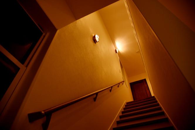 HAWAIIAN HOUSE IN SAKURA 階段 マリンランプ