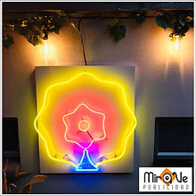 Aviso en neon.jpg